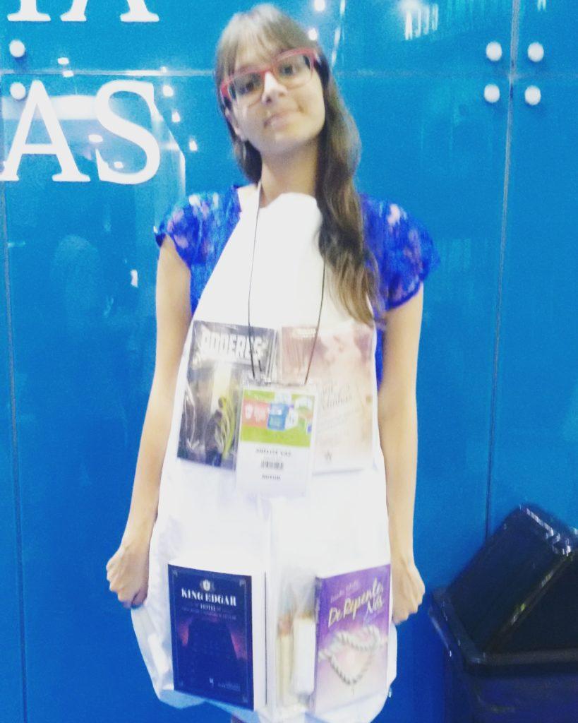 Anelise Vaz: a escritora de avental na Bienal do Rio