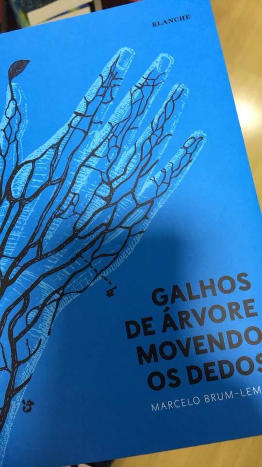FB IMG 1509550635341 - Marcelo Brum-Lemos lança capa nova de livro e o Recorte foi conferir o lançamento