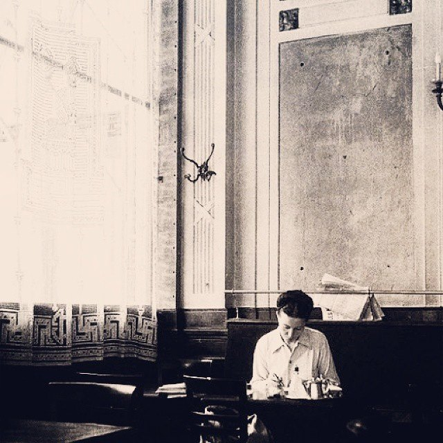 Simone de Beauvoir, As mulheres também choram 3