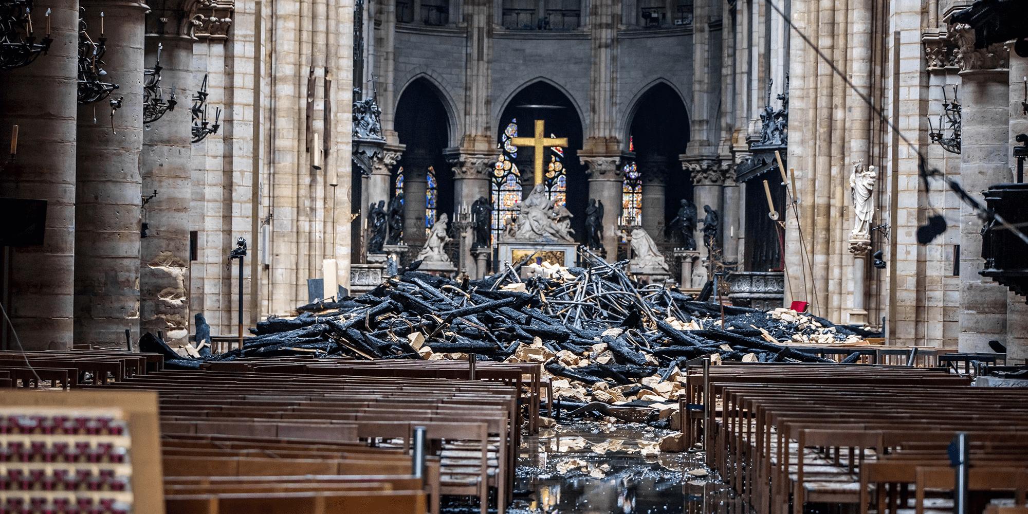 untitled - Ecos de Paris II, O Fantasma das nossas Óperas, Paris está a arder