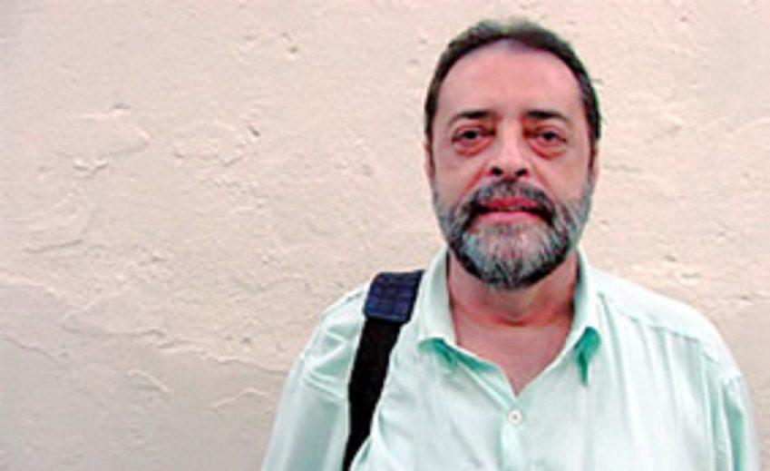 heleno godoy no festival - Poesia e crises: Muros altos e grasnar de gansos
