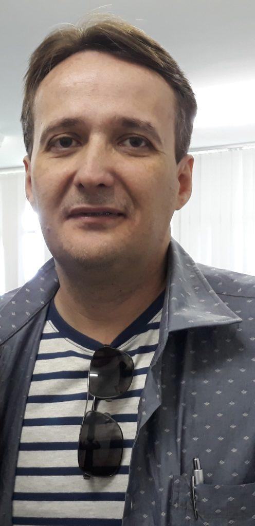 Wladimir Saldanha Antologia Francesa 496x1024 - [Wladimir Saldanha] Um facho de luz em meio à névoa