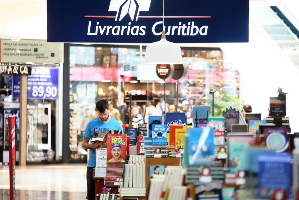 livrarias curitiba marco charneski tribuna 1024x683 - Sugestões de novas categorias em livrarias